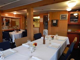 Aurora Explorer Diningroom